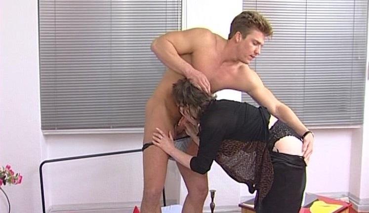 vrouw zoek man neuken rijpe vrouw komt klaar